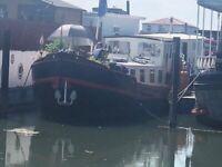 Charming Dutch Barge - Dragonfly