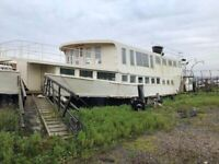 Amazing Venue with Houseboat Potential - Rochester Queen