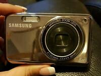 Samsung 14.2mp camera with front lcd
