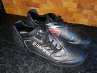 Trainers size 5