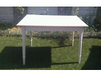 BEAUTIFUL WHITE RECTANGULAR SHABBY CHIC DINING / KITCHEN TABLE