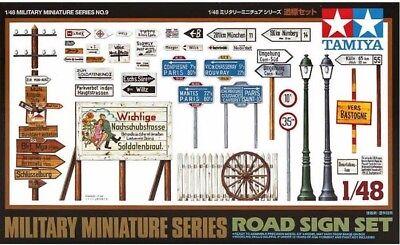 Road Sign Set - 1/48 Military Model Kit - Tamiya 32509