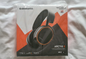 Steelseries Arctis 5 - 7.1 Surround Sound Gaming Headset BRAND-NEW