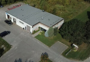 Com/Ind Space w/Offices for Lease - 2900sqft in Lindsay, ON