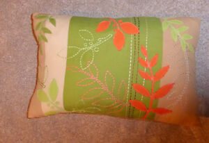 Feather-filled decor cushion, excellent condition Kitchener / Waterloo Kitchener Area image 1
