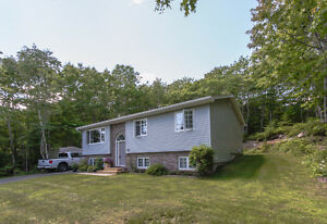 Family Home - St Margaret's Bay - Walk to SMB Elementary School!