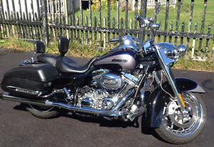 2008 Harley Davidson Screamin Eagle CVO Road King