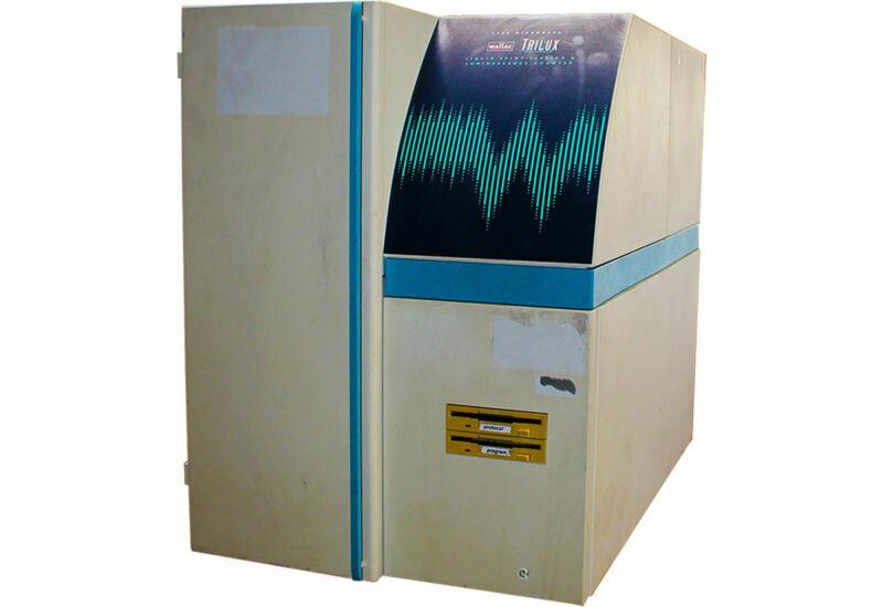 Wallac 1450 Microbeta TRILUX Liquid Scintillation & Luminescence Counter