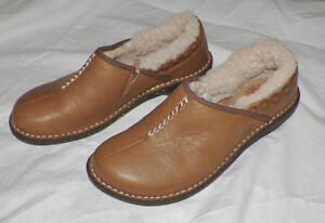 UGG Australia Leather Shoes Clog Mules Chestnut Brown