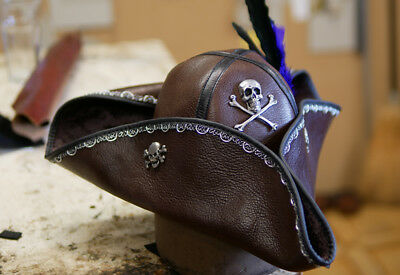 BROWN LEATHER PIRATES OF THE CARIBBEAN JACK SPARROW PIRATE TRICORN MENS HAT  ()