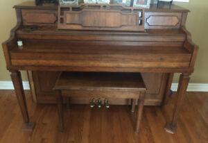 Hammond Piano  & Bench
