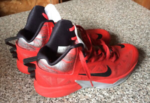 MEN'S SIZE 11 NIKE ZOOM HYPERFUSE SHOES FOR SALE!