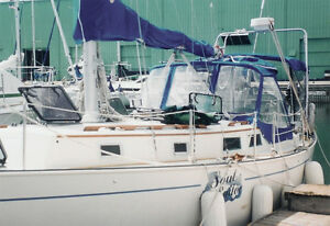 Niagara 35 with totally new deck ready for viewing