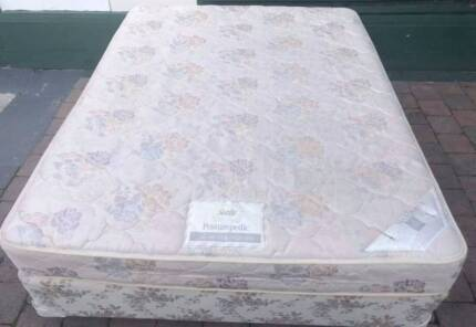 Excellent Sealy Brand Queen bed for sale. Delivery available