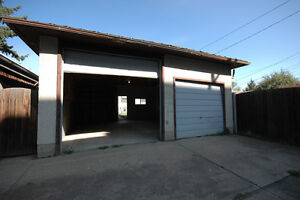 Ready For Winter?-Perfect Storage Garage Avalable in Bonnie Doon