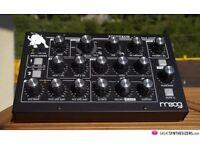 Moog Minitaur Synthesiser