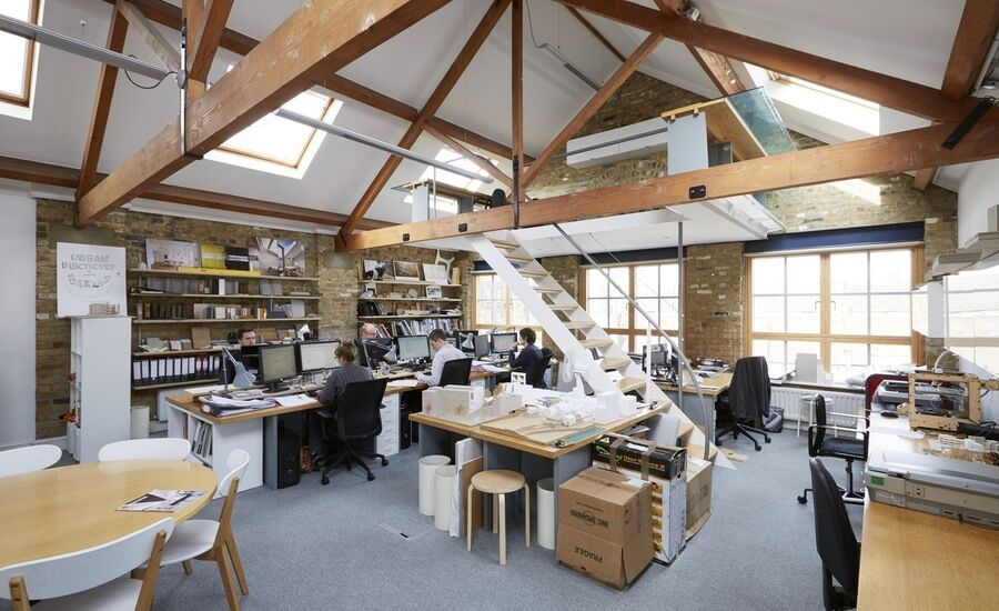 Mezzanine office space in warehouse conversion southbank for Self bank oficinas