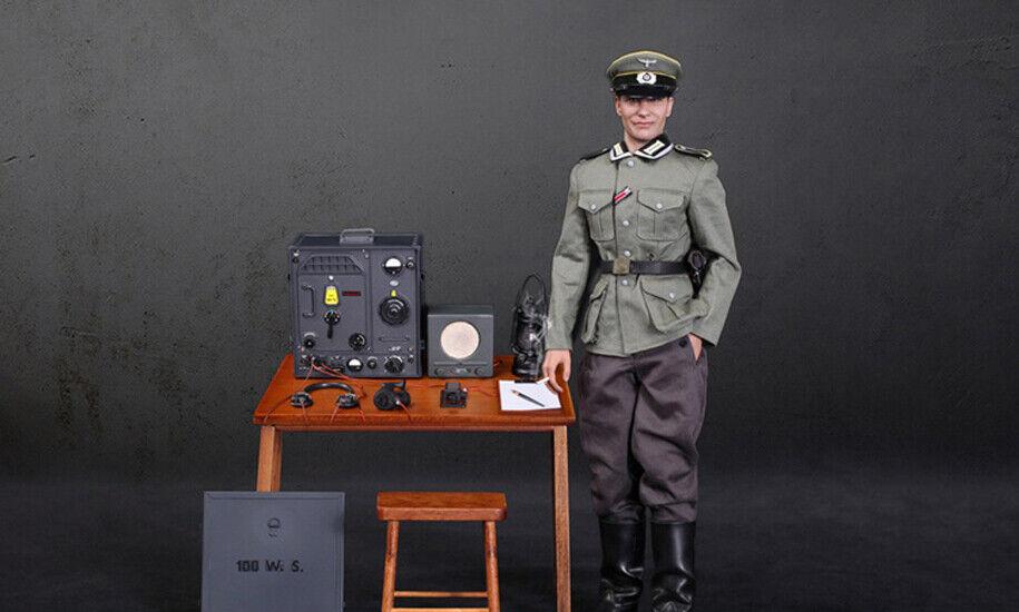 DID D80133 1//6 WWII German Communication 3 WH Radio Operator Gerd Figure Lamp