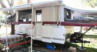 Tente-roulotte Fleetwood Saratoga - High Wall Tent Trailer