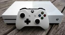 Xbox one s 1 month only LIKE NEW