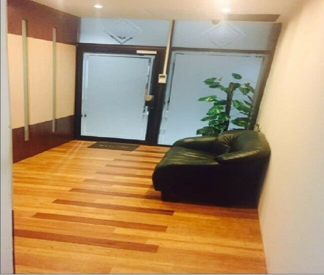 Solid serviced office for rent at Sultan Plaza