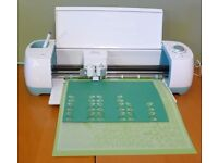 Cricut Explorer Air - wireless die cutting machine (starter kit included!)
