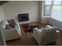 2 double bed property close to Green Park - Parking for 2 cars