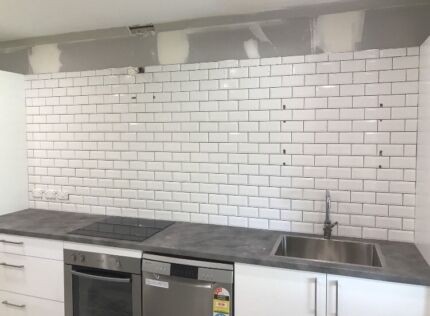 Looking for cheap splashback tiler (please visit my ad )