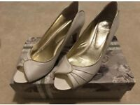 Rachel Simpson Bridal Shoes, Size 7