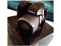 Fujifilm finepix s8200 camera boxed
