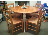 CUTE SHABBY CHIC FARMHOUSE STYLE KITCHEN / DINING TABLE & 4 CHAIRS