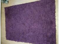 Purple shaggy rug size around 150cm x 90cm can deliver!