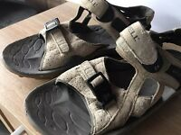 merrell sandals size 8 used