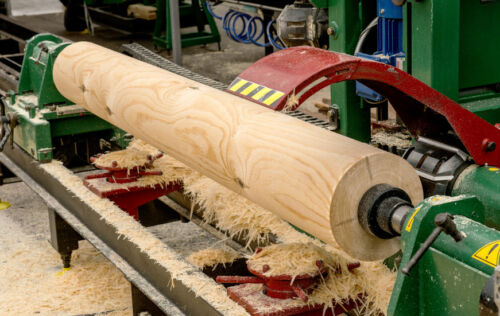 Kriterien für die Ausstattung mit Maschinen und Materialien für Holzbearbeitung und Tischlerei