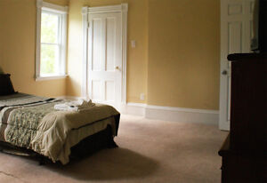 Quaint, Affordable and Accessible 4 bedroom rental in Bedford