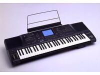Technics KN2000 Keyboard/Arranger with carry case