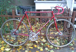 PEUGEOT 10 vitesses (Vélo de route / Road bike) 60cm