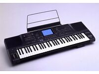 Technics SX KN2000 Keyboard with carry case.