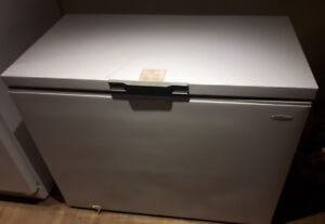 """Danby Dandy Apartment or Small House Freezer 24"""" X 42"""" X 34.5"""