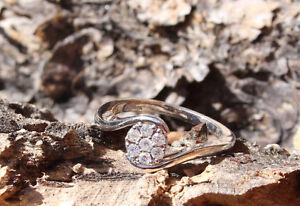 LADYS' DIAMOND RING