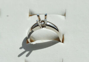 New 14KT white gold solitaire mount Clearance  now $325