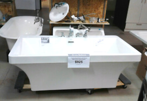 Bathtub with faucets for sale