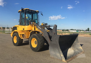 Compact to medium size loaders for rent
