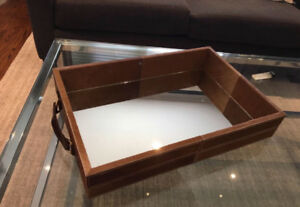Hide wrapped mirrored Tray