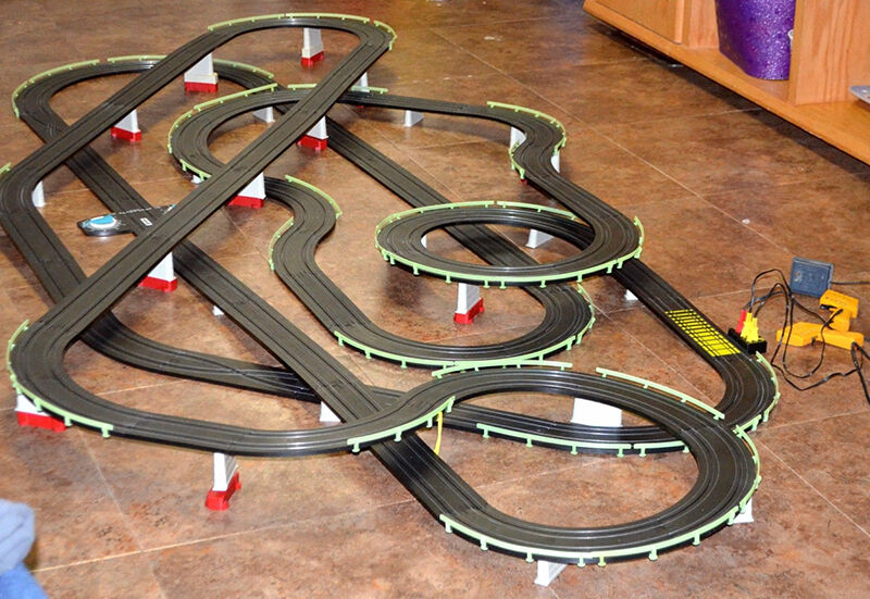 how to build a ho slot car track ebay. Black Bedroom Furniture Sets. Home Design Ideas