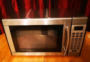 STAINLESS STEEL 1000W MICROWAVE
