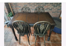 Extendable dark Wood Dining Table & 4 Matching Chairs