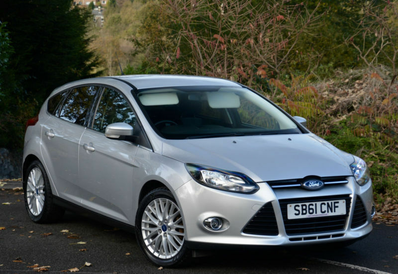 Ford Focus 1.6 TI-VCT ( 125ps ) 2011.25MY Zetec Silver