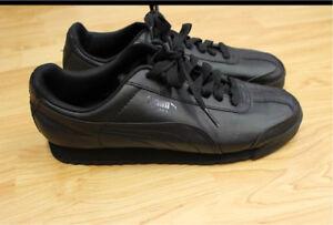 Women's PUMA sneakers size 9