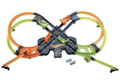 HOT WHEELS-Colossal Crash Track Set (New**Open Box-in New Condition)